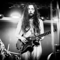 Sloppy Jane sonne comme la rencontre de Kim Fowley, Marilyn Manson, PJ Harvey et votre pire cauchemar