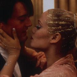 Mal aimé, sous estimé, Showgirls est un des meilleurs films des années 90